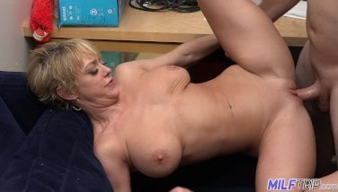 Mummy Tour  Nasty Blondie Mummy Dee Williams Takes Flow To The Face  Part 1
