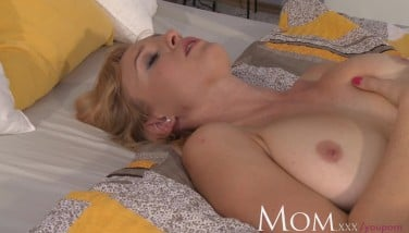 Housewife Sherry Enjoys To Finger Her Vag When She Has Time To Herself