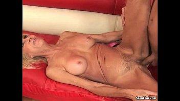 Sexy gilf GILF PORN